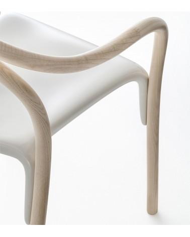Detalle silla Soul estructura freno aclarado y asiento policarbonato blanco. Pedrali